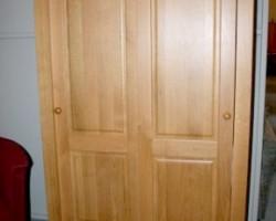 Linnenkast 2-deurs met schuifdeuren